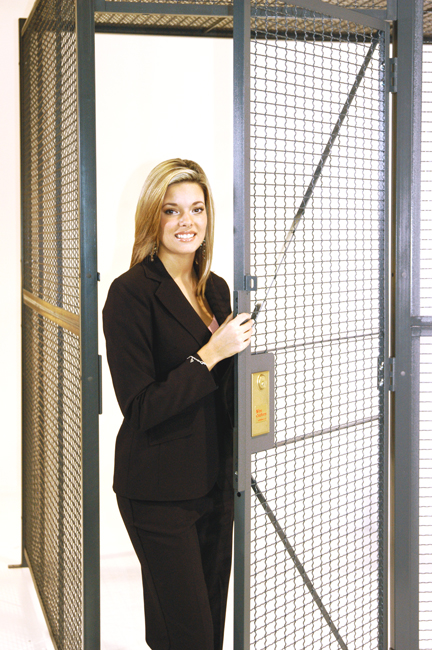 Style 840 Wire Partition Door View