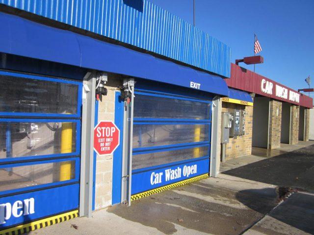 Wynd Star High-Speed Car Wash Door