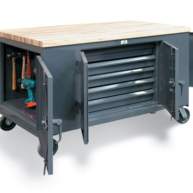 mobile maintenance cart with 3 locking compartments 1