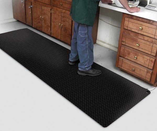 Conductive Diamond Foot Black Floor Mat in Labratory