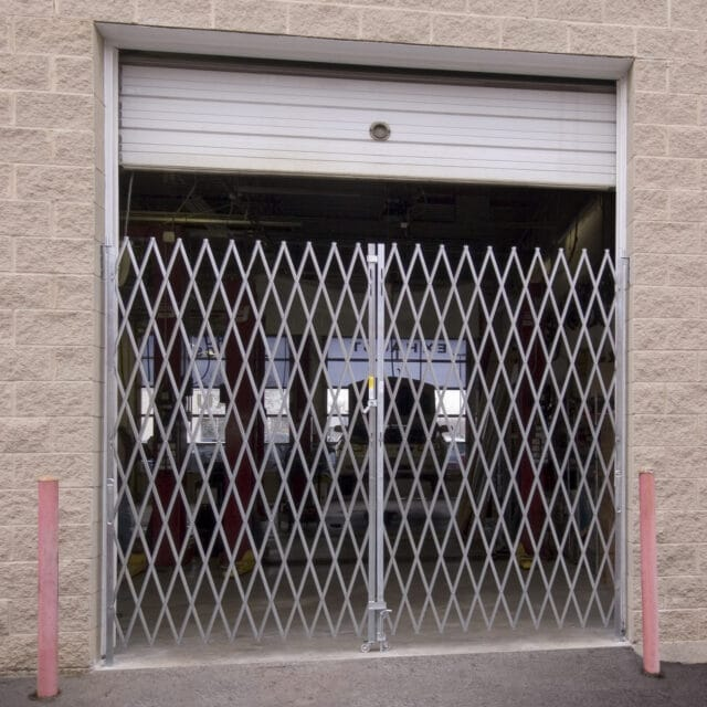 Heavy Duty Pair Gate